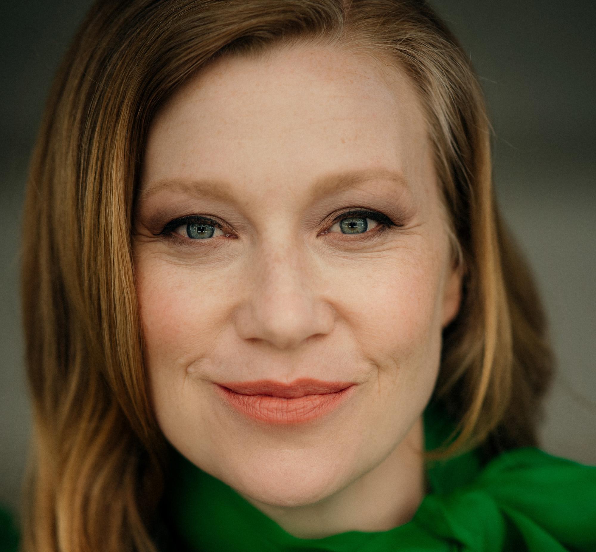 Aline Hochscheid actresses – zentralbüro